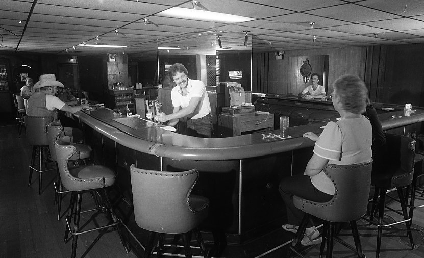 Archives Bar, circa 1985. Courtesy of the Historical Society of Dauphin County.